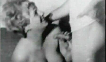 ブルネットとディルドメガネの台所 エロ ビデオ イケメン